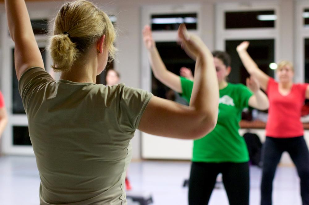 Beende den Aerobic-Kurs, um Gewicht zu verlieren